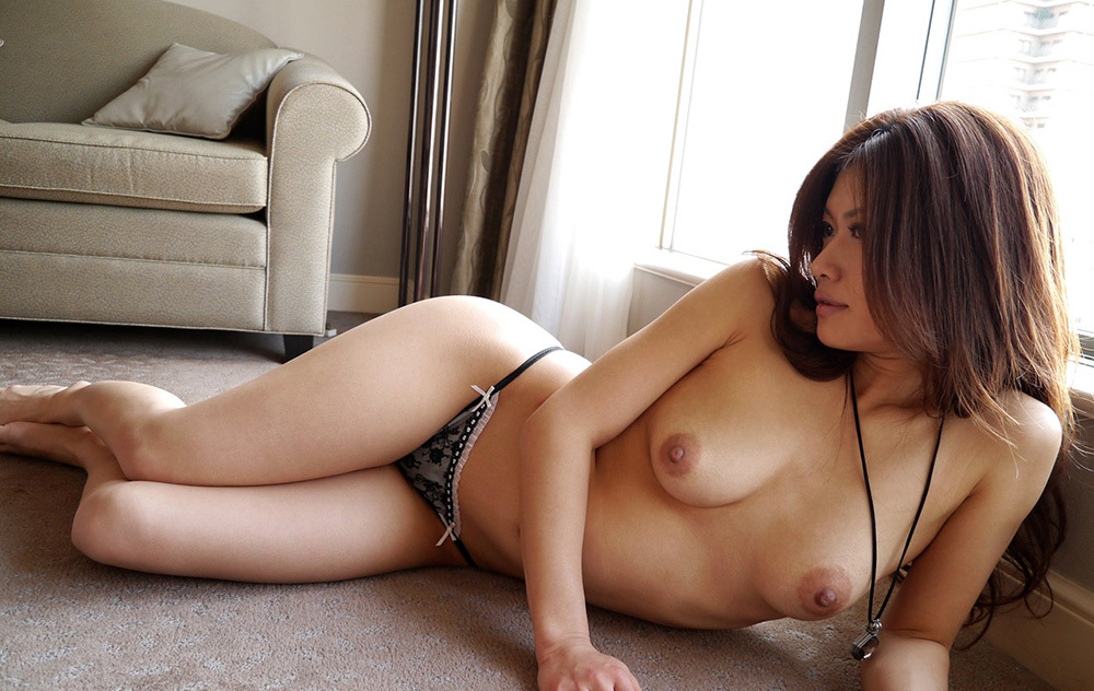 綺麗な裸で魅了して誘惑…ヌード画像