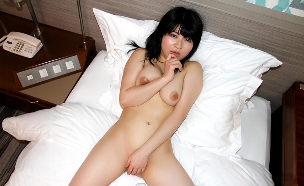 裸で魅せるお姉さんのオールヌード画像